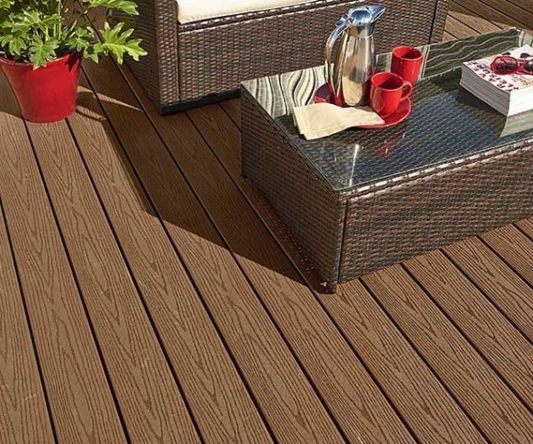 gallery-goodlife-decking-cabin.jpg